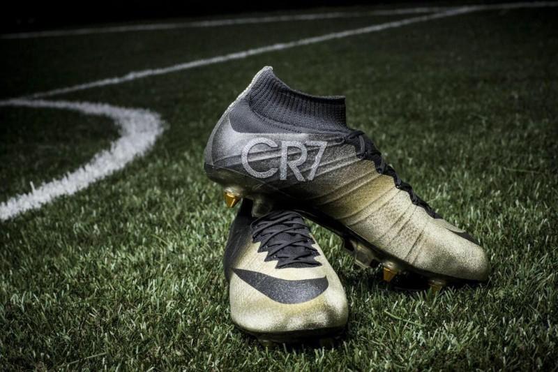 Złota piłka? JEST! Nowe buty? SĄ!