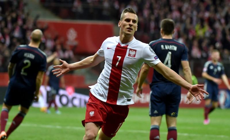 Plotki i Newsy ze świata futbolu #4 - 1.04 Milik w Ajaxie do 2019!
