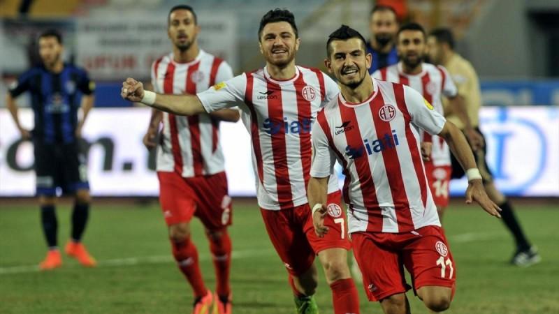 Gwiazdy w Antalyasporze?