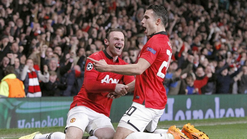 Van Persie hat-trick fires United into quarter-finals